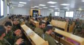 Rav Haddad donne un cours à une soixantaine de 'Hayalim