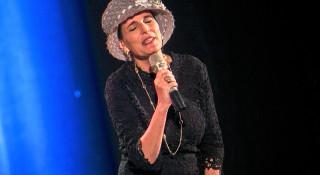 La femme juive, couverte à l'image du Séfer Torah
